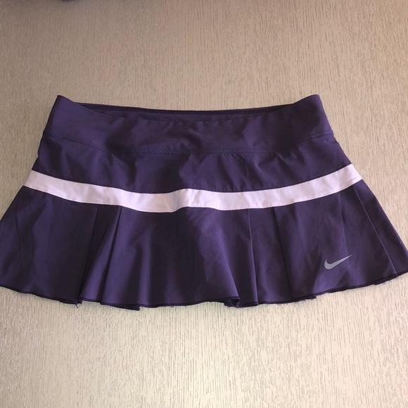 New Nike Tennis 🎾 skirt size L